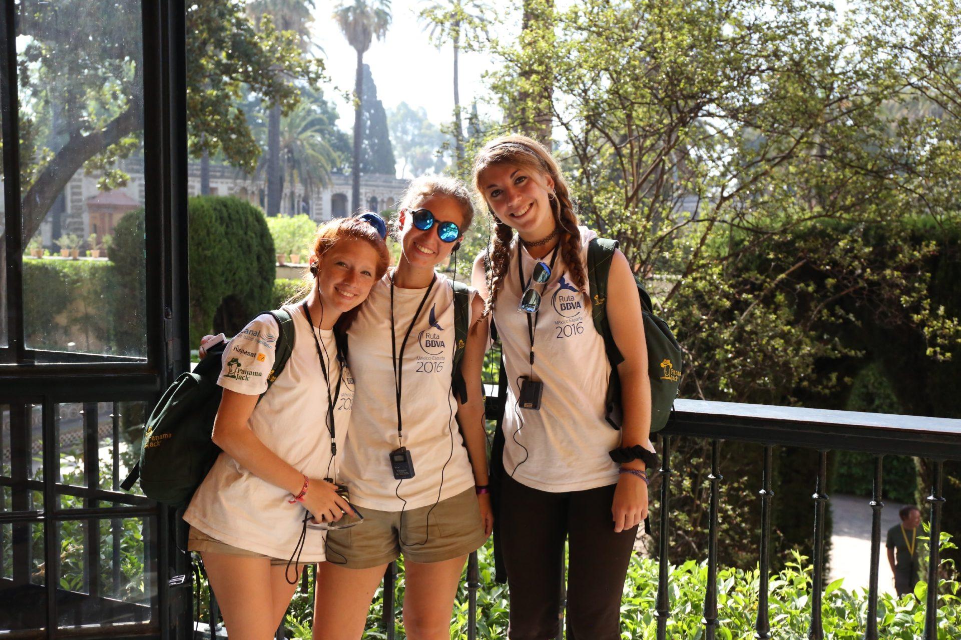 Expedicionarias de la Ruta BBVA en el Real Alcázar de Sevilla