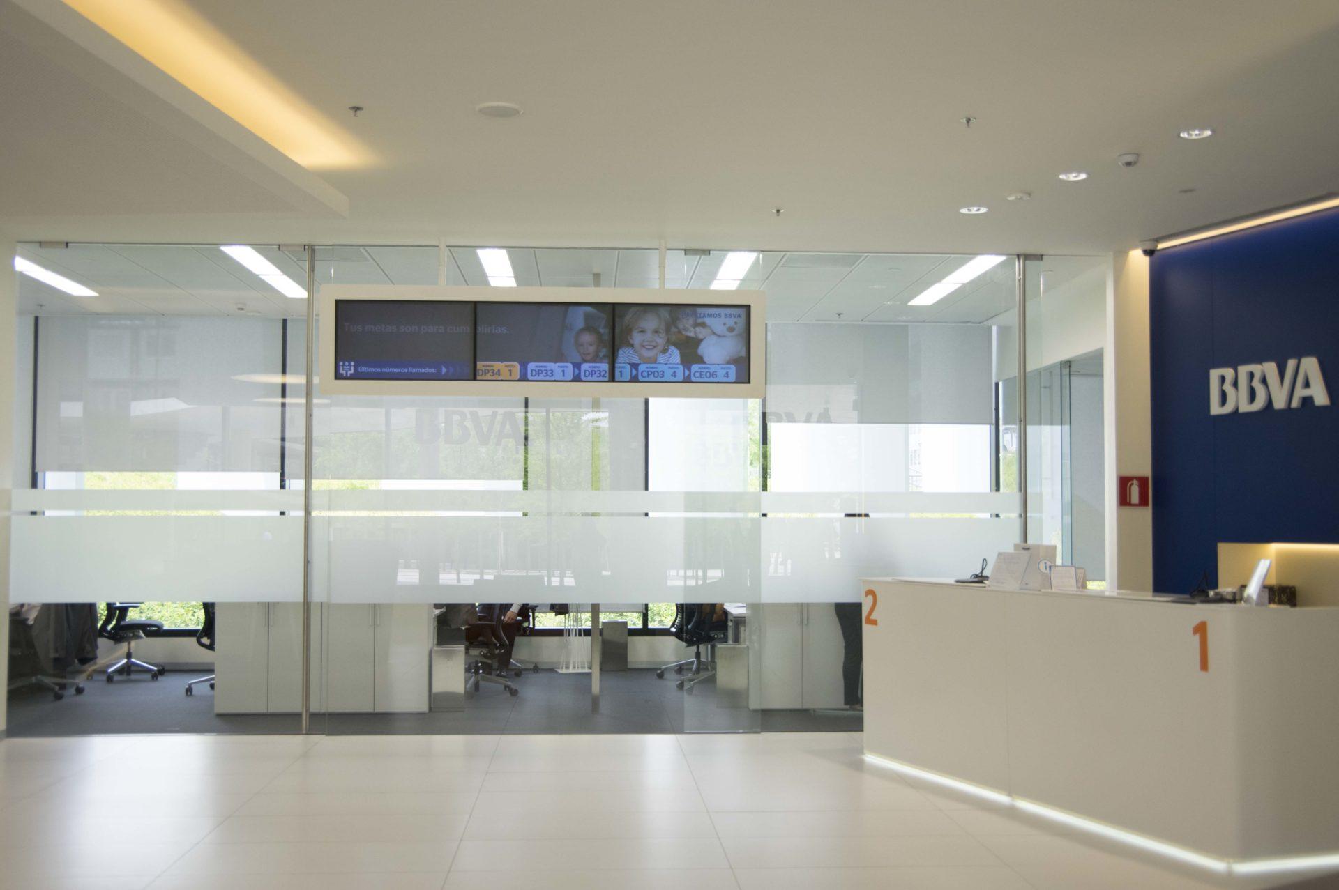Acudir a la oficina con cita previa ya es posible en bbva for Oficinas bbva mallorca