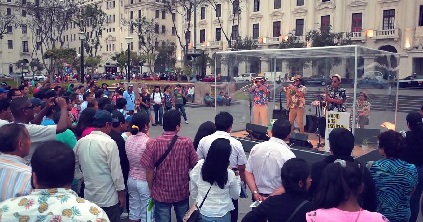 Fotografía de la Campaña Nadie nos Escucha de Radio BBVA en Lima