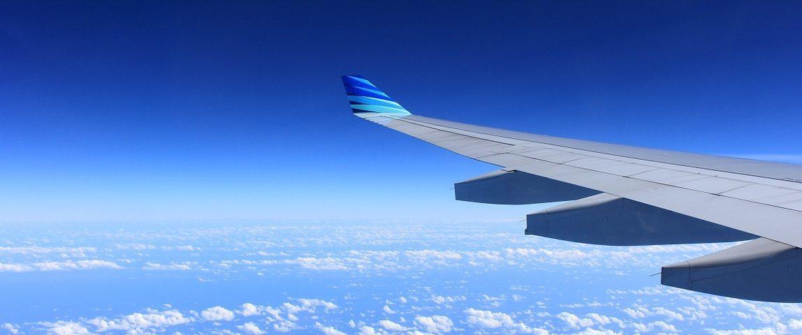 Viajar en avión recurso móvil wifi