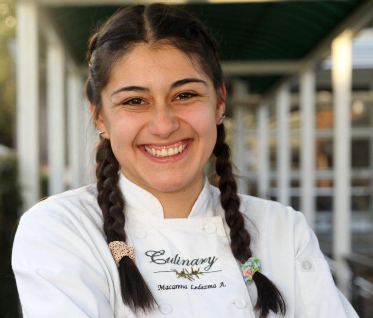 Fotografía de Macarena Ledezma estudiante chilena que asistirá durante la Gira BBVA- El Celler de Can Roca 2016 ©Ernesto Zelada - Xpress Media