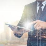 traje CEO tablet tecnología Internet despacho recurso bbva