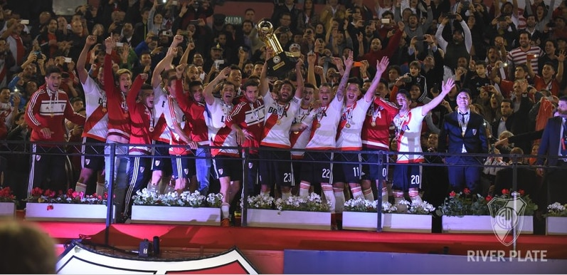 River Plate celebra la Recopa Sudamericana conquistada   Foto: Diego Haliasz / Prensa River