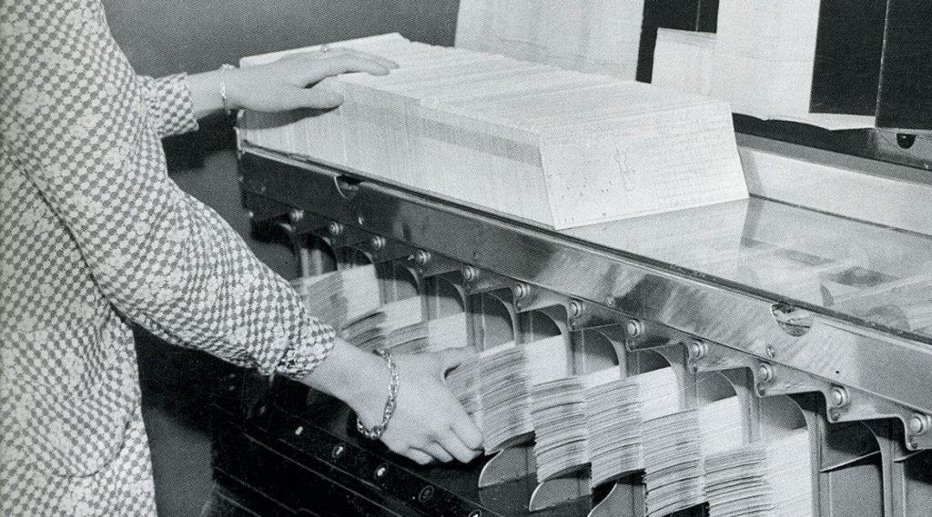 Fotografía de 1967 Bancomer Incia en México los primeros proceso de automatizacóión de los sistemas BBVA