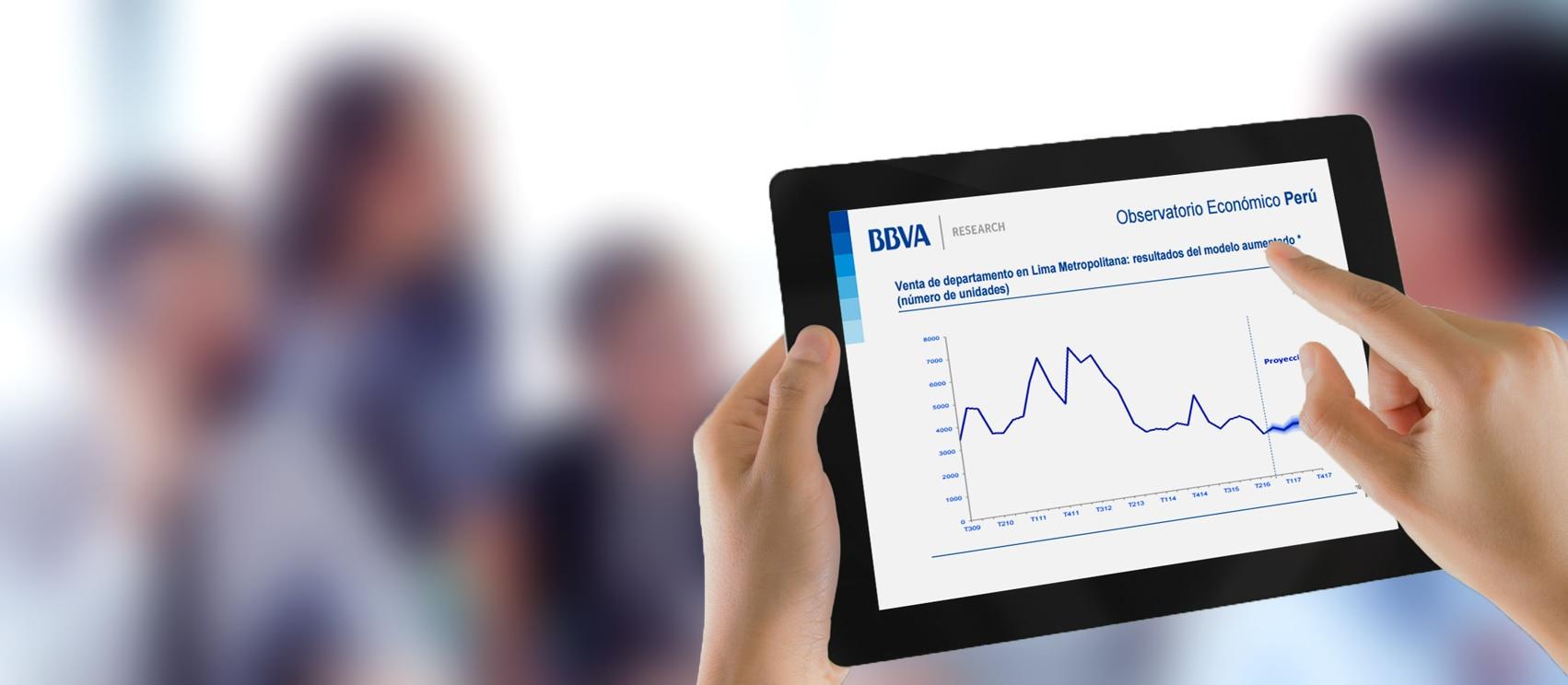Fotografía de informe inmobiliario de BBVA Research