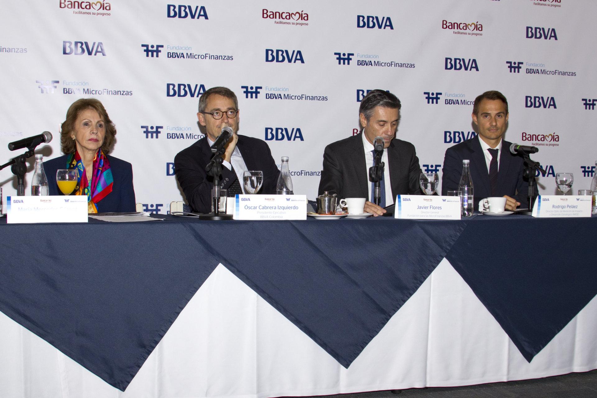 Bbva microfinanzas de bbva en colombia se acercan al for Bbva cierre oficinas