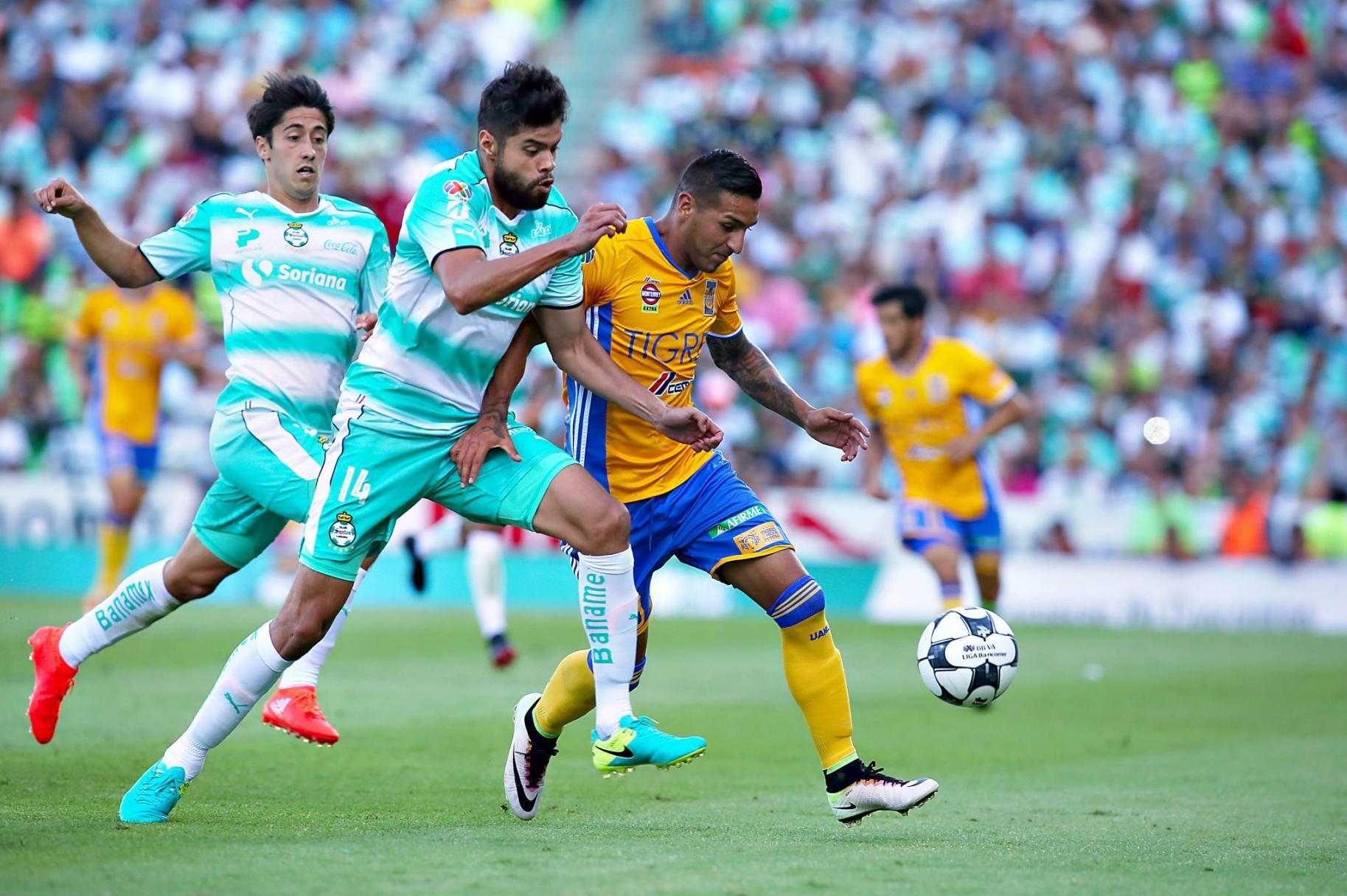 Fotografía de Ismael Sosa, jugador de Tigres de la Liga Bancomer MX
