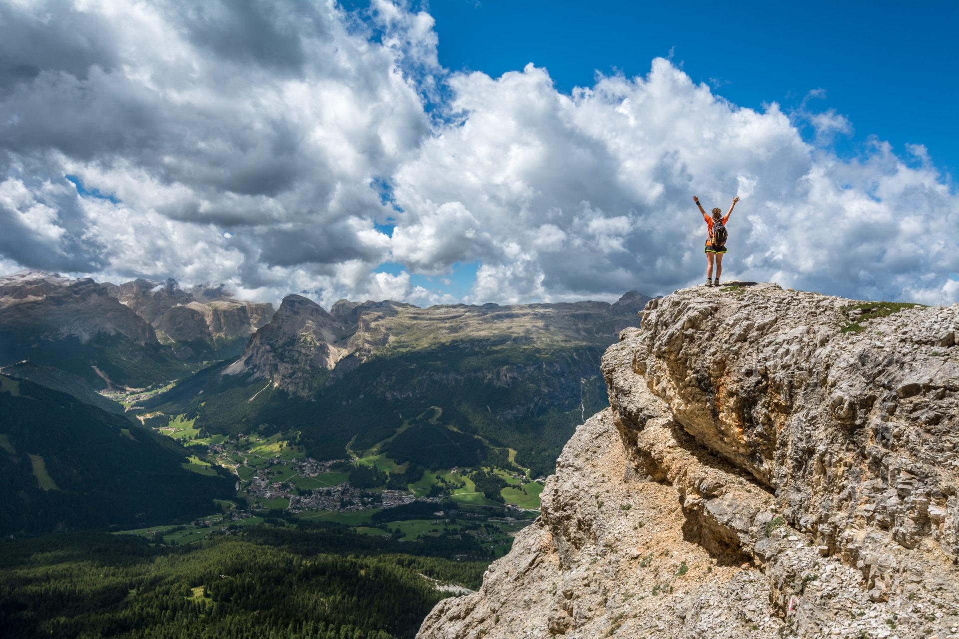 Éxito, jóvenes, paisaje, montañas
