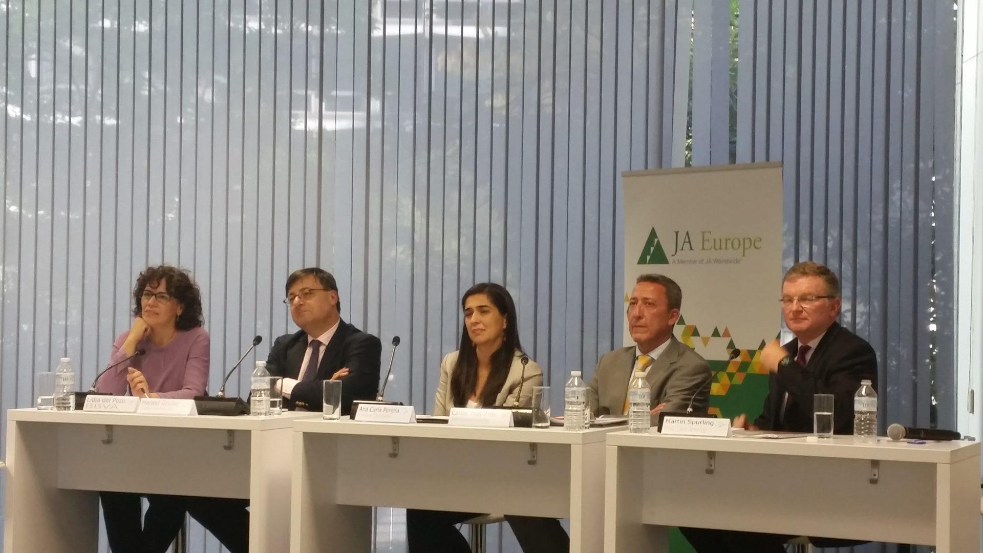 ponencia-ee-hub-financial-education-roundtable
