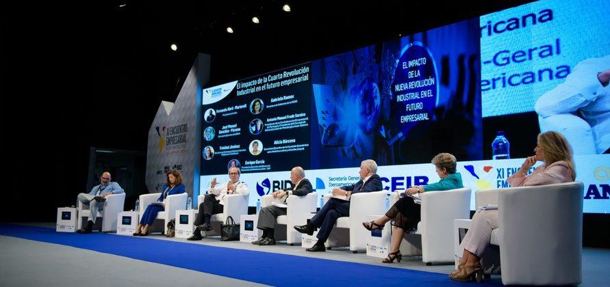 Fotografía de Panel El impacto de la cuarta revolución industrial en el futuro empresarial del XI Encuentro Empresarial Iberoamericano celebrado en Cartagena de Indias (Colombia).