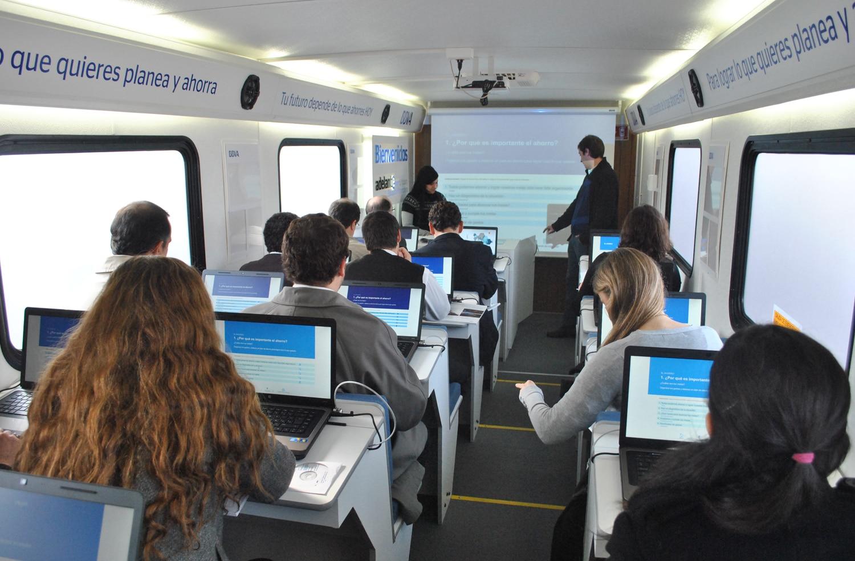 Fotografía Taller Educación Financiera BBVA Uruguay