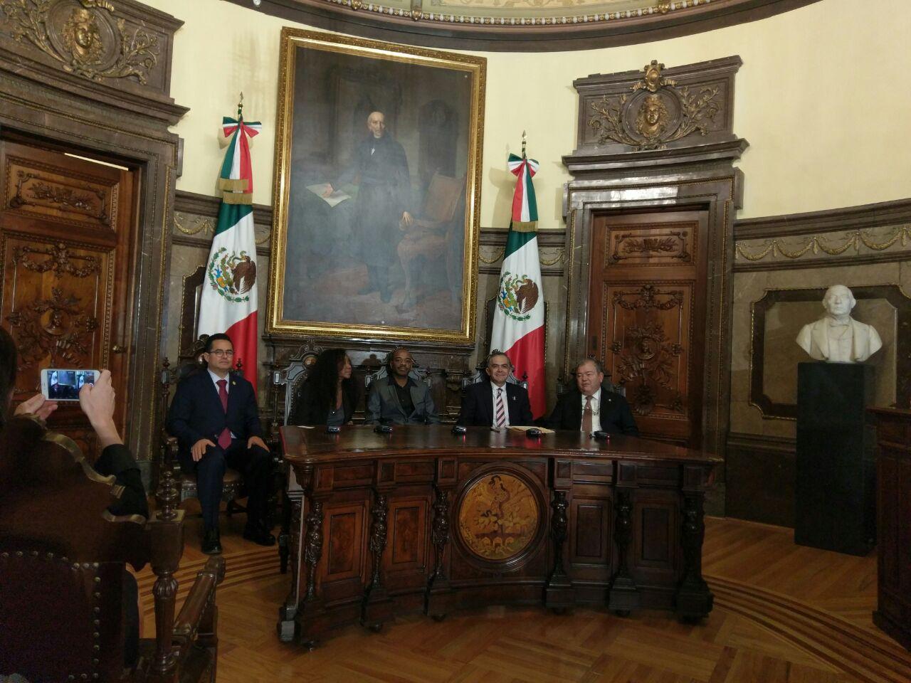 Visita de Stephen Wiltshire al Palacio de Gobierno de la CDMX