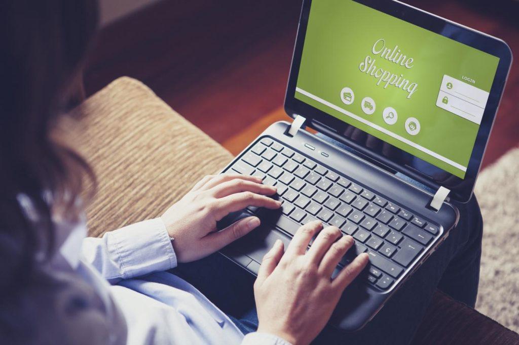 online shopping BBVA ordenador fintech innovacion trabajo recurso