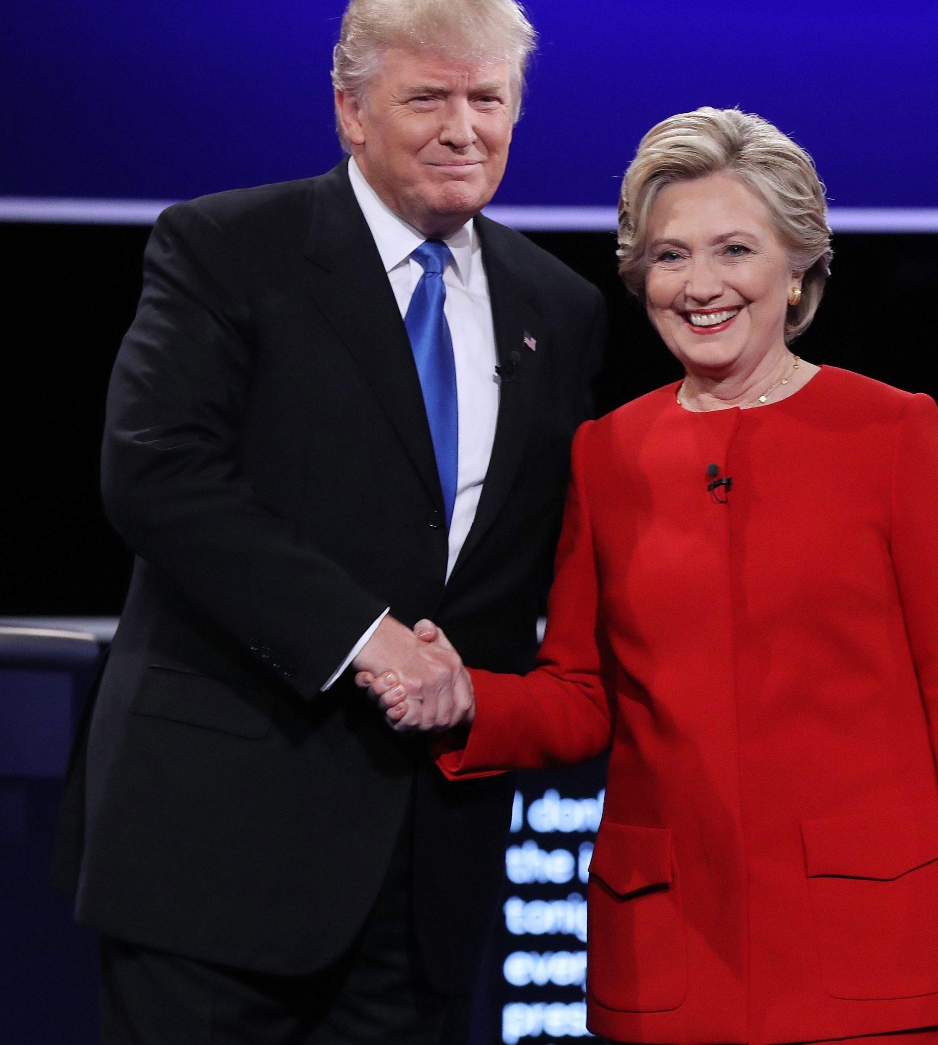 Donald Trump y Hillary Clinton durante el debate presidencial | Foto: EFE