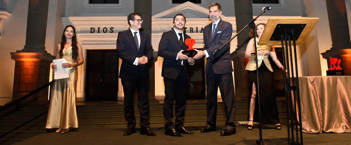 Jordi Roca recoge el Premio Cámara Española en Lima