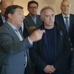 Josep Roca, Joan Roca, Ferran Adriá, Christina Terribas y Carles Puigdemont en la inauguración del la exposición por los 30 años de El Celler de Can Roca, patrocinada por BBVA