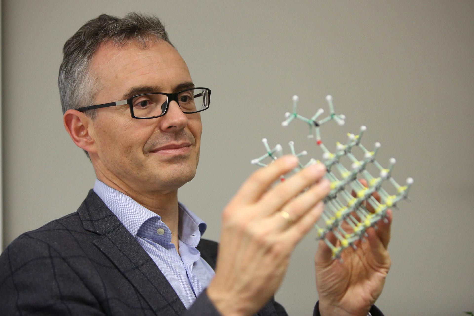 Imagen de Ángel Rubio, galardonado en los premios de fisica de la Fundacion BBVA