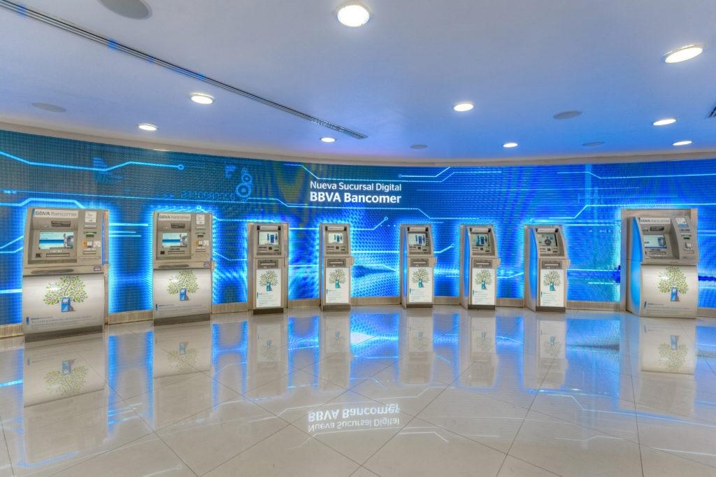 Sucursales con pantallas electrónicas