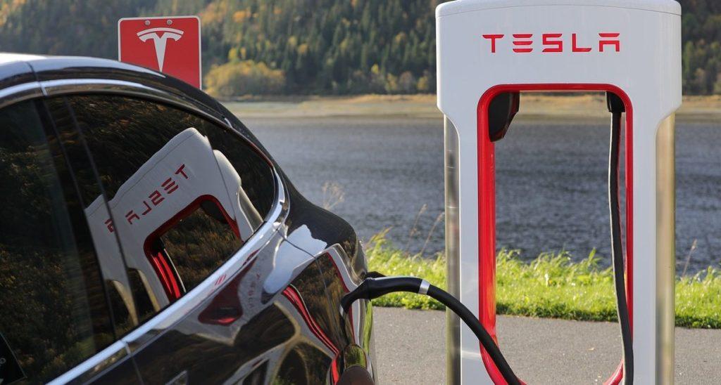 Tesla coche autónomo eléctrico automoción recurso