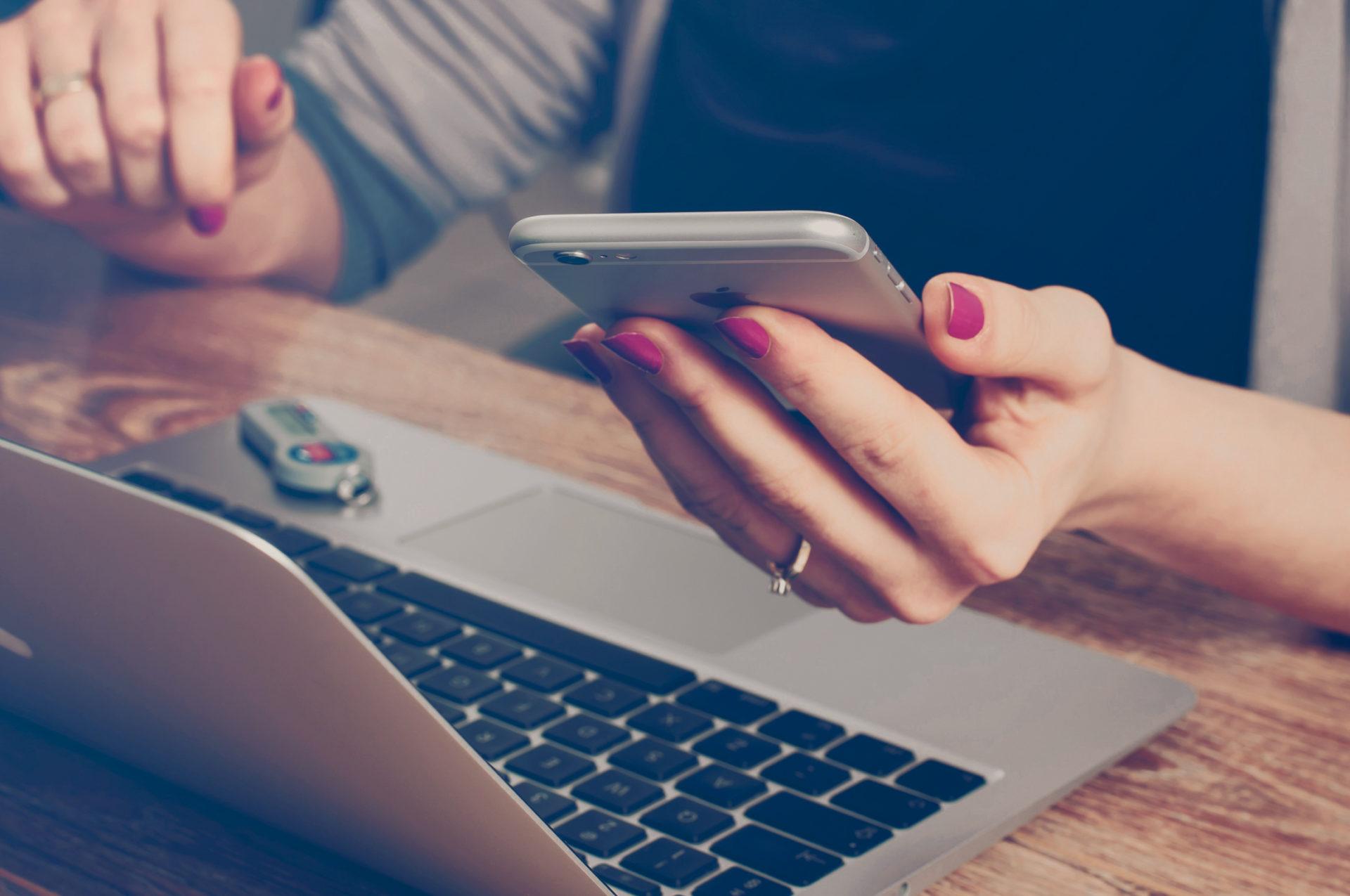 ILos clientes de BBVA Uruguay podrán realizar sus transacciones financieras durante las 24 horas en esta temporada de Navidad y Fin de Año, a través de sus dispositivos móviles.