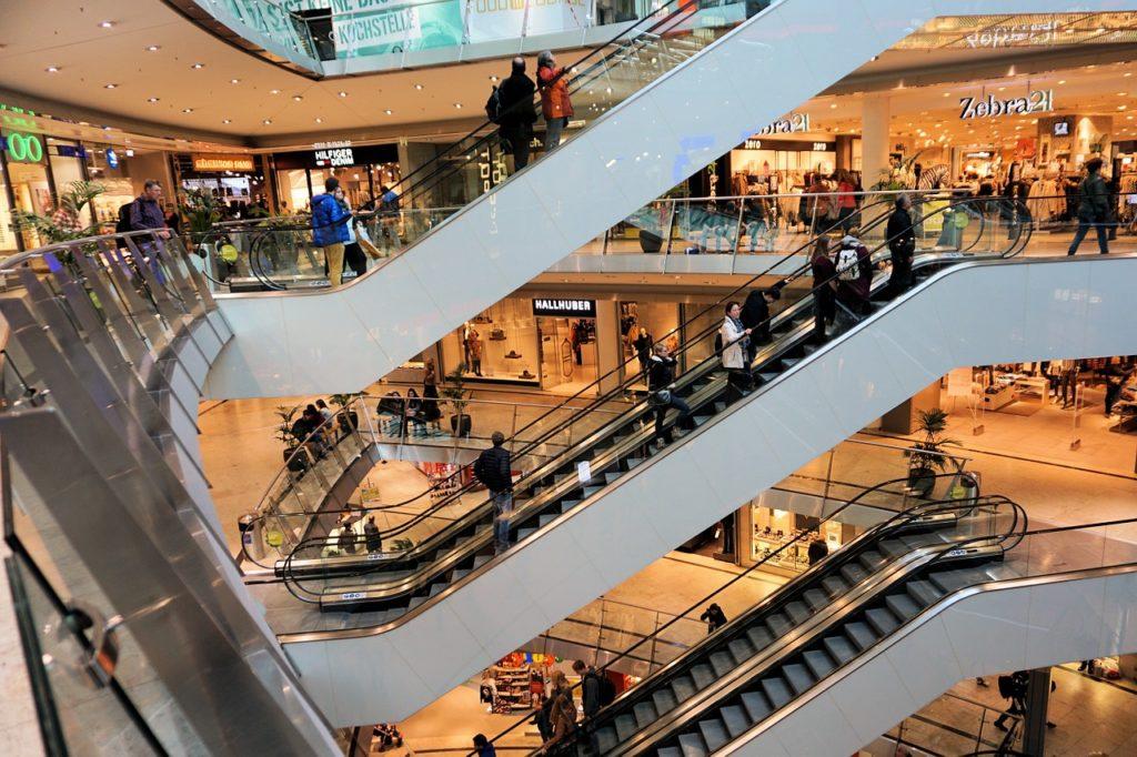 FOTOGRAFÍA DE Consumo, centro comercial, escaleras mecánicas, compras, recurso