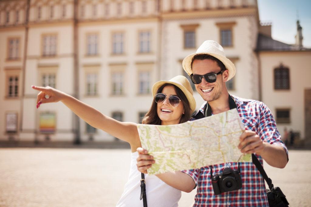 Recurso pareja de turistas