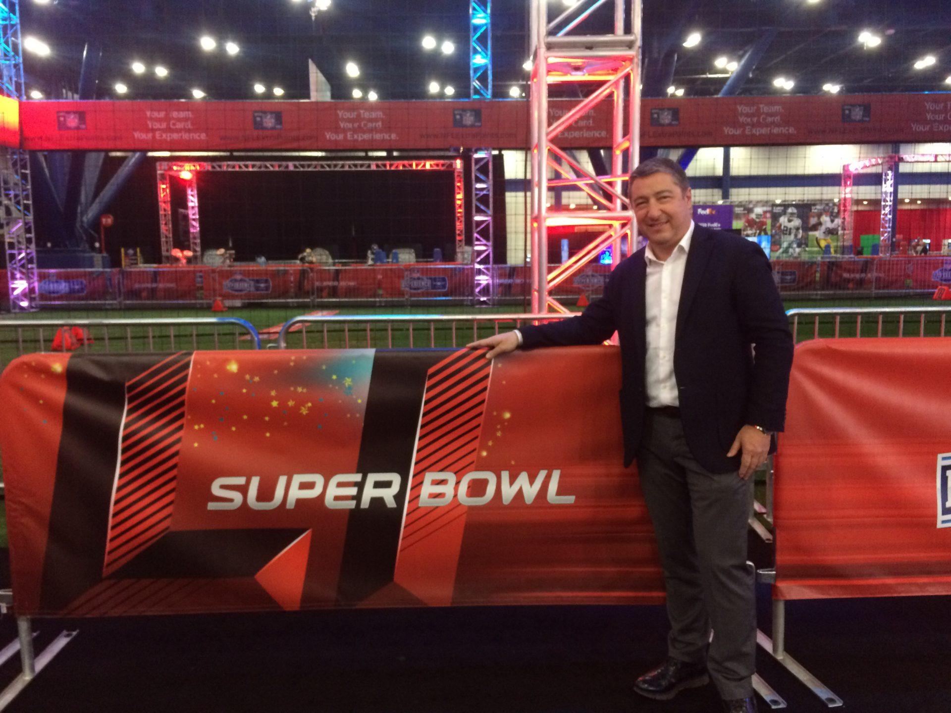 Joan Roca participa en la NFL Experience 1