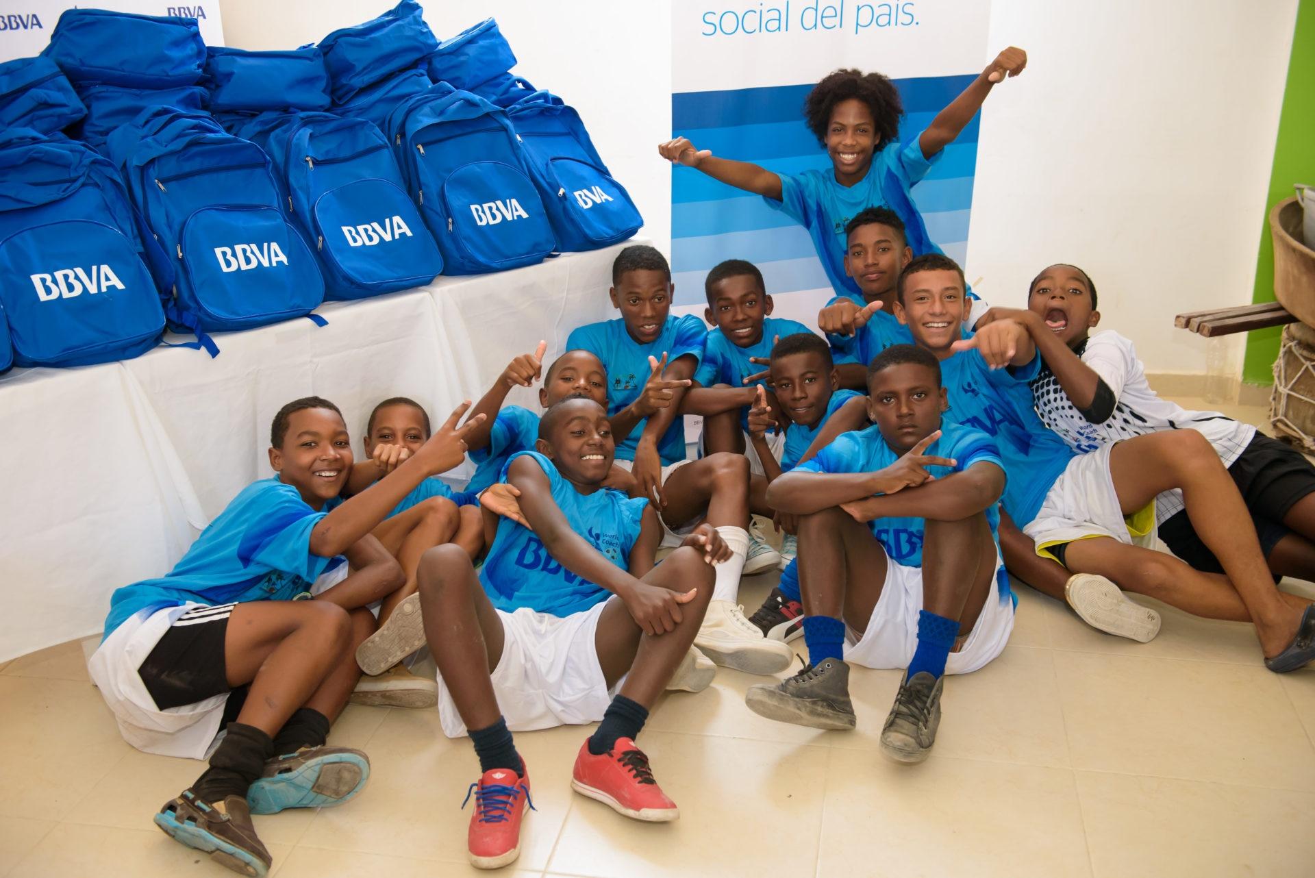 Niños beneficiados por BBVA Colombia en Tierrabomba