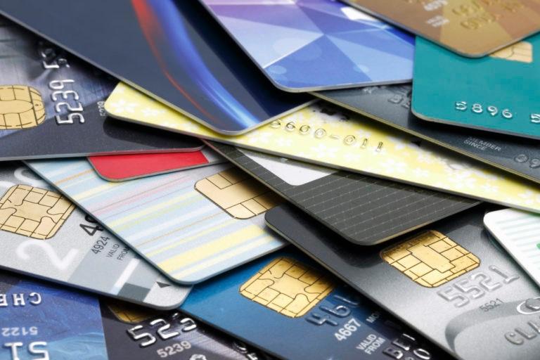 tarjetas de crédito dinero cuenta economía finanzas recurso