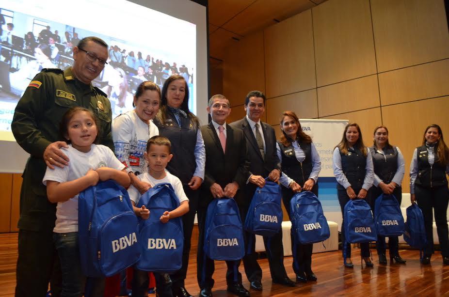 Fotografía de Entrega kids a Hijos de los miembros de la Policía Nacional