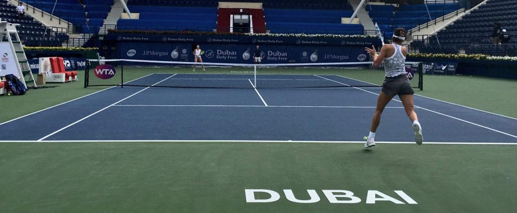 Garbiñe Muguruza entrena en las pistas del Open de Dubái BBVA