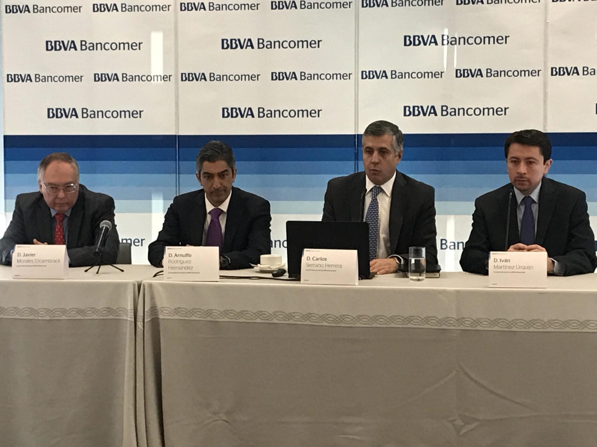Presentan análisis sobre economía de México