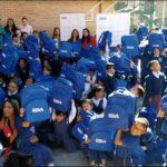 Fotografía de niños la Institución Educativa José Asunción Silva, del sector de los Martírez, con los kids de BBVA Colombia