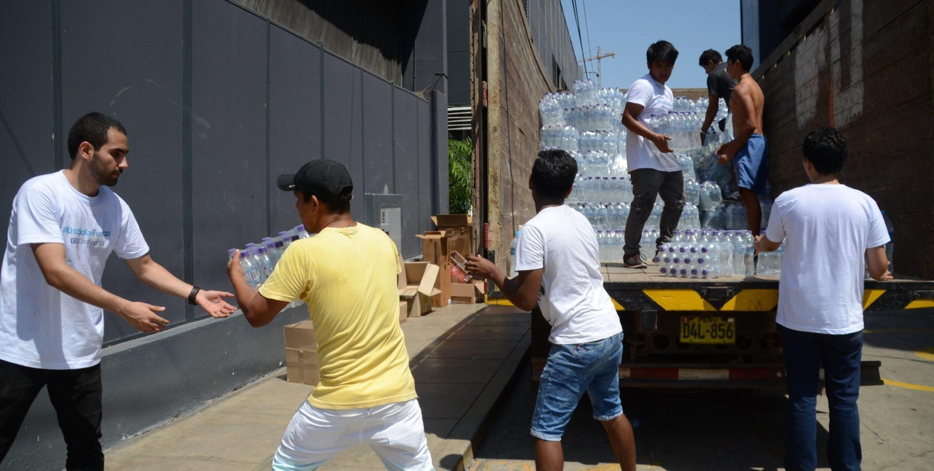 colaboradores BBVA Continental, ayuda, voluntariado, Niño costero, emergencia climática