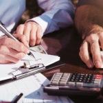 RECURSO calculadora finanzas cuentas ordenador tecnologia papel economia empresa analisis pymes