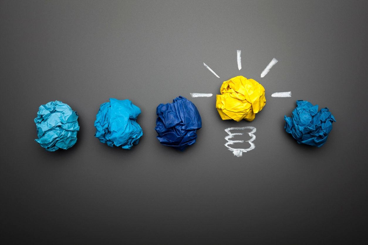 RECURSO ideas bombilla metafora tech tecnologia economia finanzas fintech