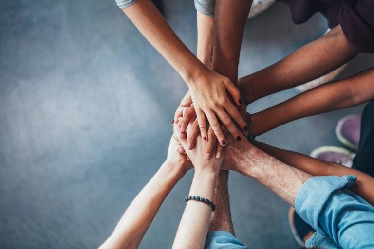 unidad equipo manos unidas trabajo laboral recurso agile scrum