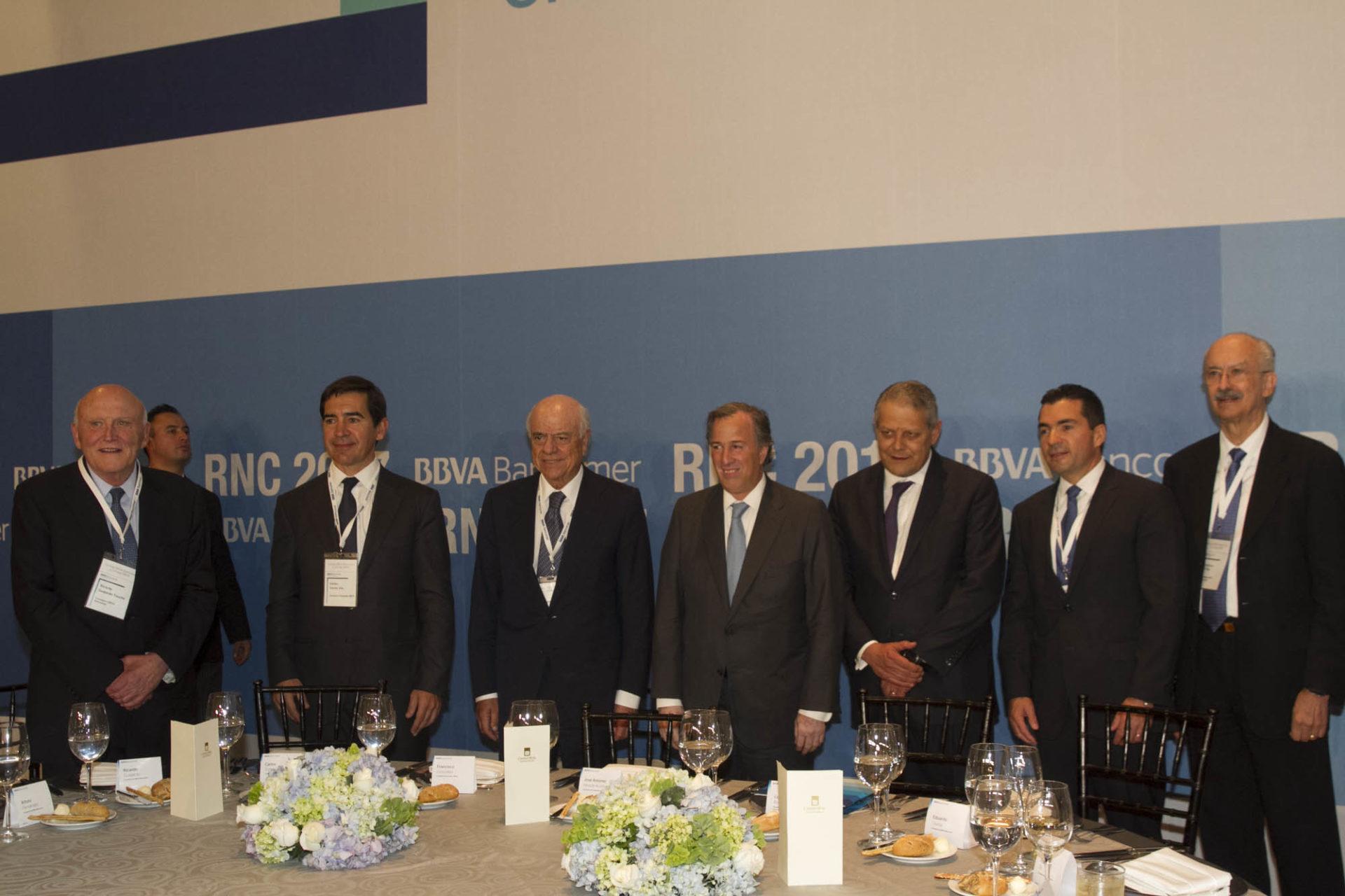 BBVA_Francisco González y Jose Antonio Meade con miembros del consejo regional de BBVA Bancomer