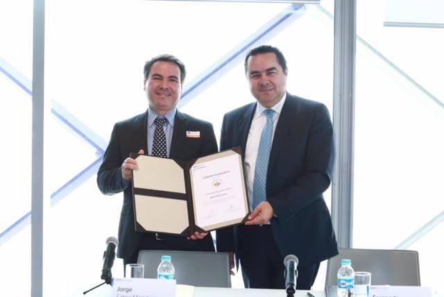 firma-convenio-universidad-anahuac-mexico-y-bancomer-2