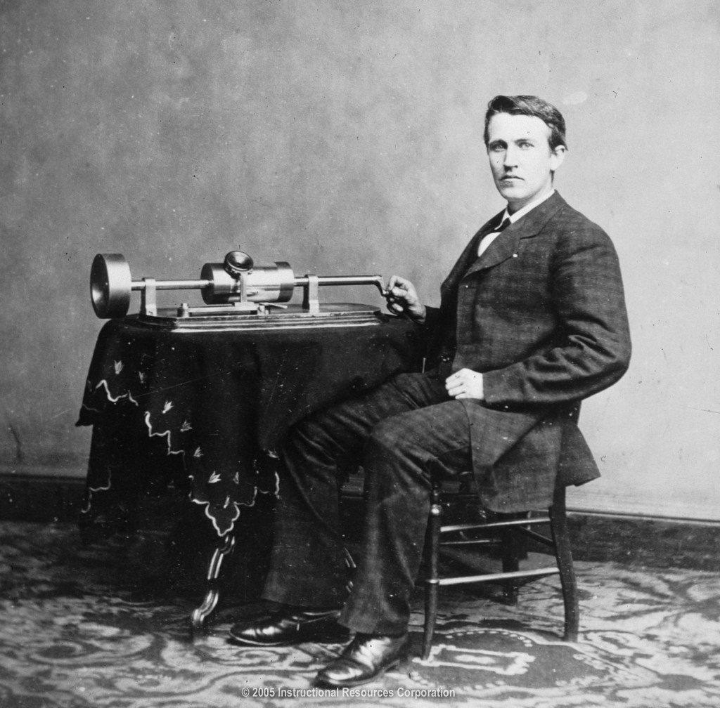 Bancomer Thomas Alva Edison junto al fonógrafo (1878)
