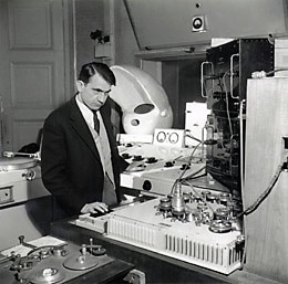 Pierre Schaeffer en su estudio, 1951