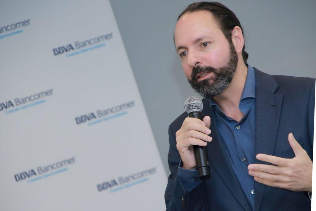 hugo-najera-alva-director-general-de-desarrollo-de-negocio-de-bbva-bancomer-durante-la-presentacion-de-bbva-plan-21-jun2017-1