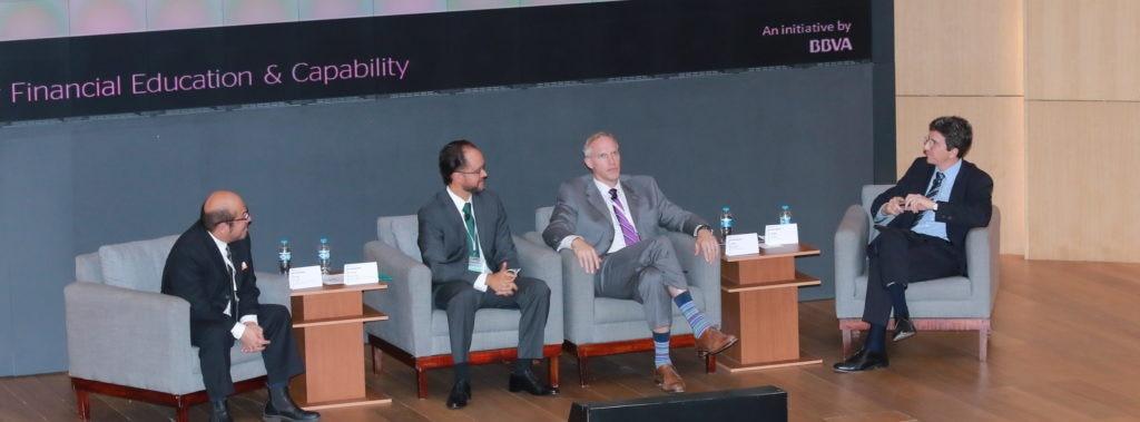 panel, edufin summit, educación financiera