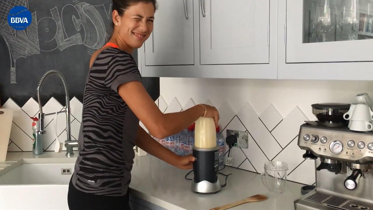 Garbiñe Muguruza cocina un flan en Wimbledon