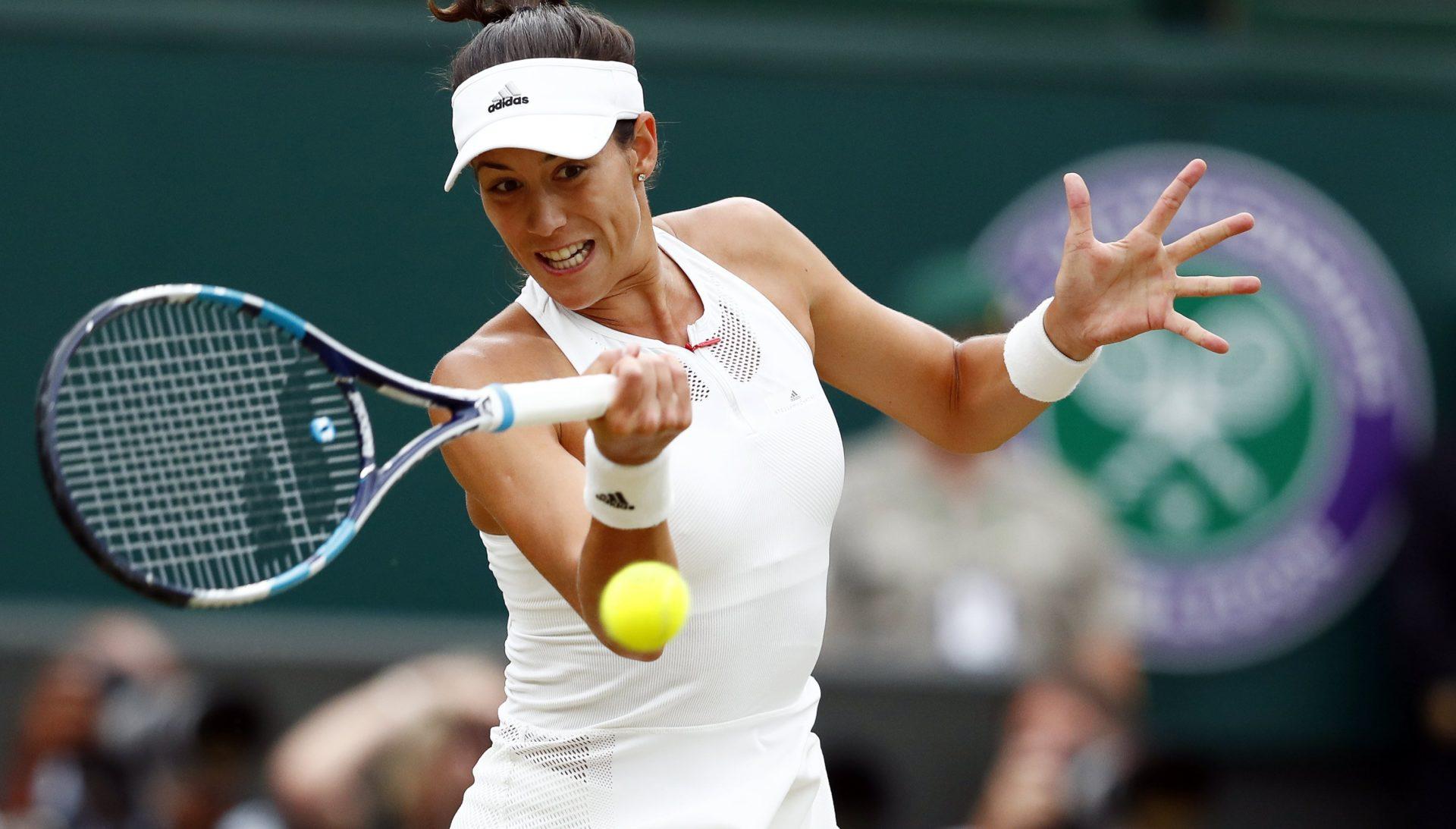 Garbiñe Muguruza superó con contundencia a Venus Williams en el segundo set de la final de Wimbledon