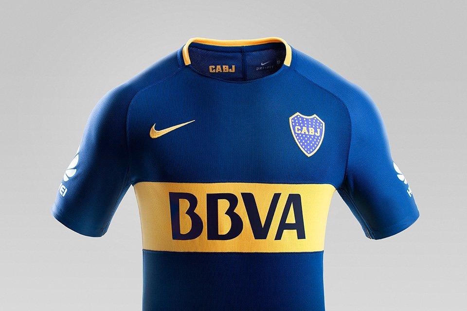 Nueva camiseta de Boca Juniors, temporada 2017/18. BBVA Francés main sponsor