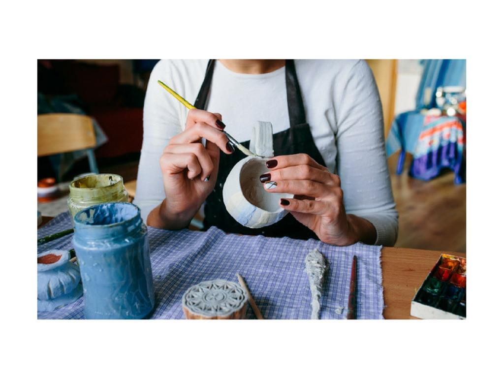 ceramica mujer pintura bbva