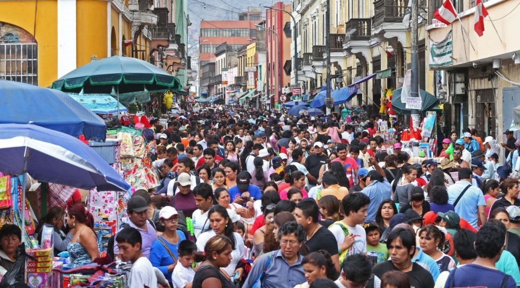 Fotografía de calles de Lima Economía informal BBVA Research