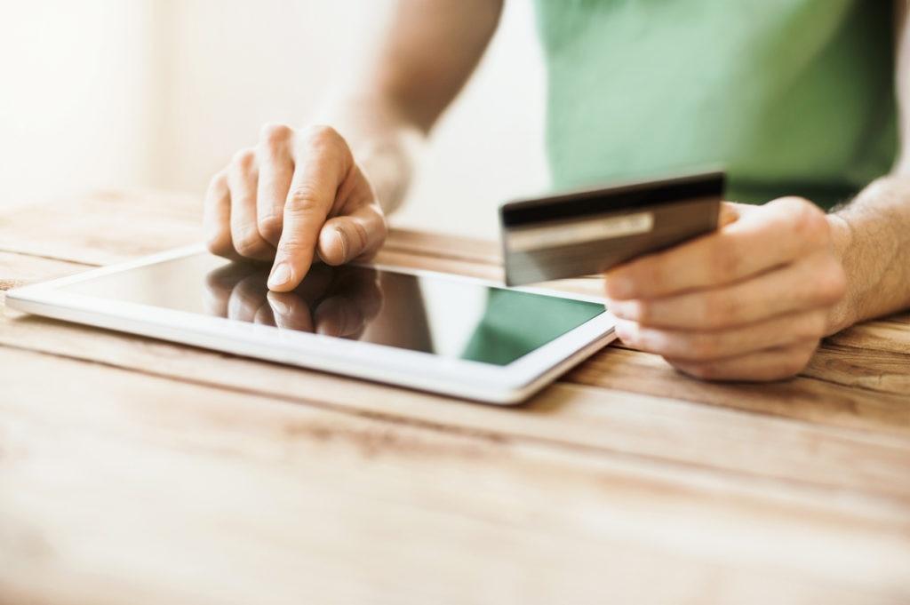 Cinco hábitos financieros para un uso responsable de la tarjeta de crédito