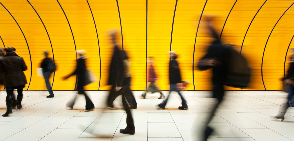 personas trabajo empleo economía finanzas BBVA recurso